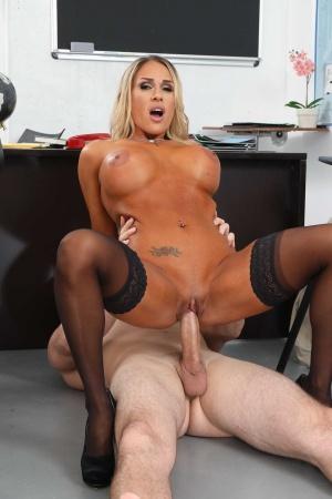 Sexy Black Girls with big booty